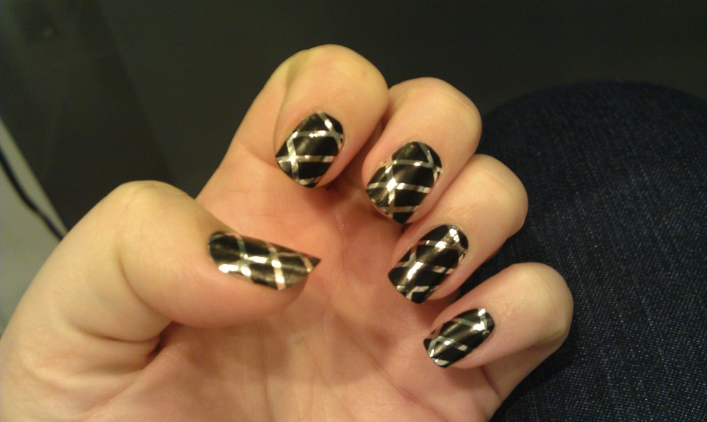 Black and silver (nail wraps)