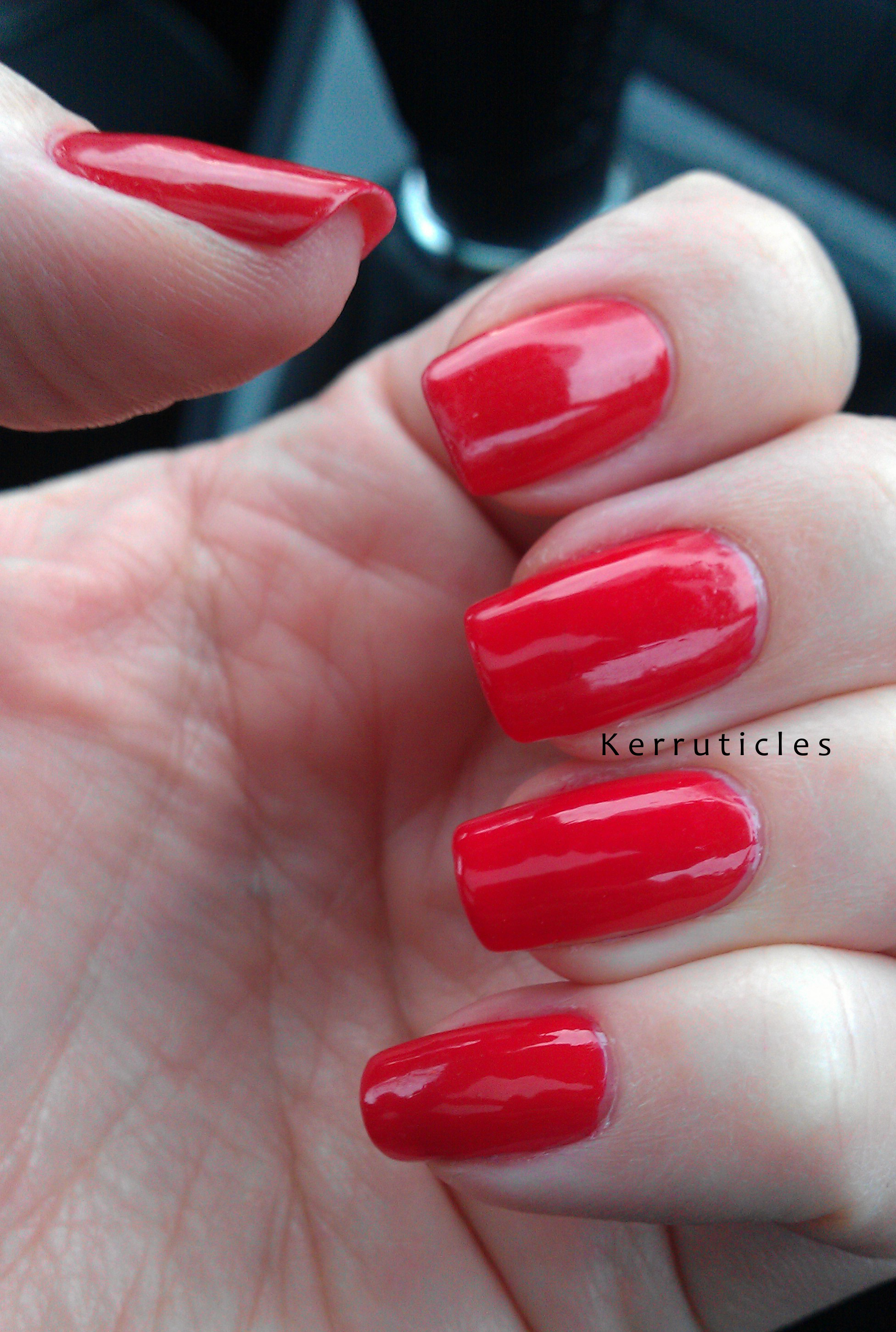 Revlon All Fired Up My Favourite Red Kerruticles