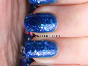 2True Glitterati Shade 3 (Aqua) nails