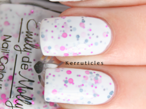 Emily de Molly Sakura nails
