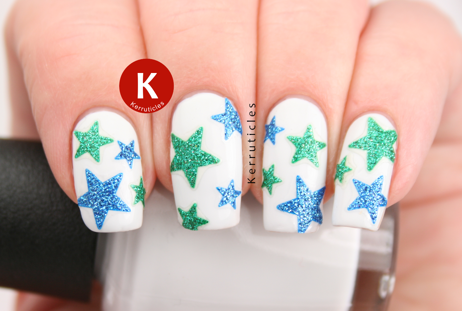 Blue and green sparkle stars