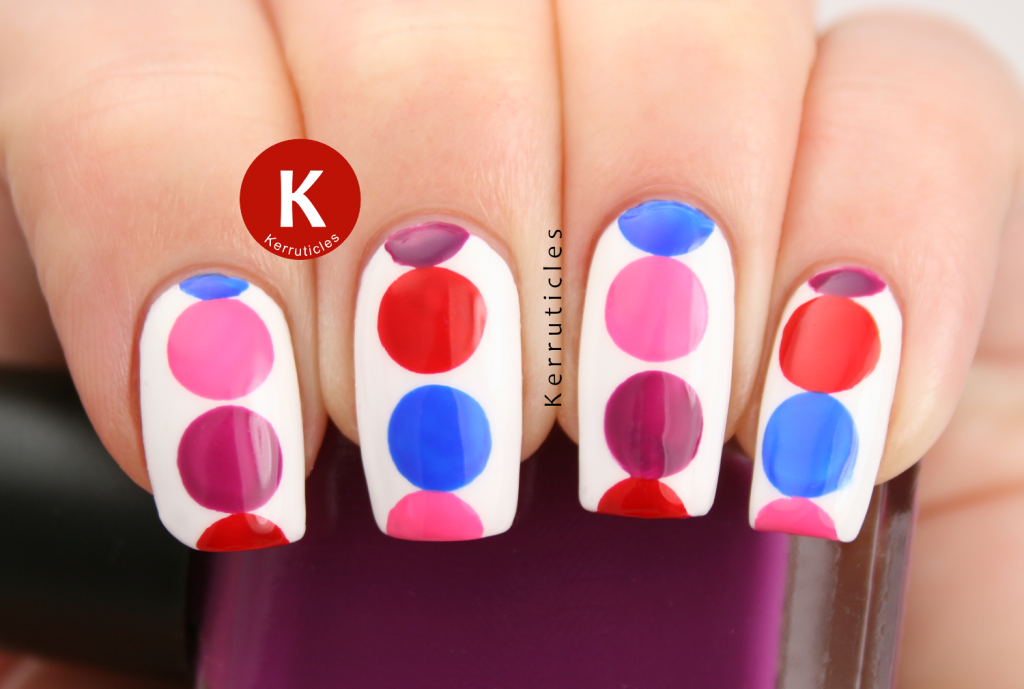 Pink red purple blue geometric circles