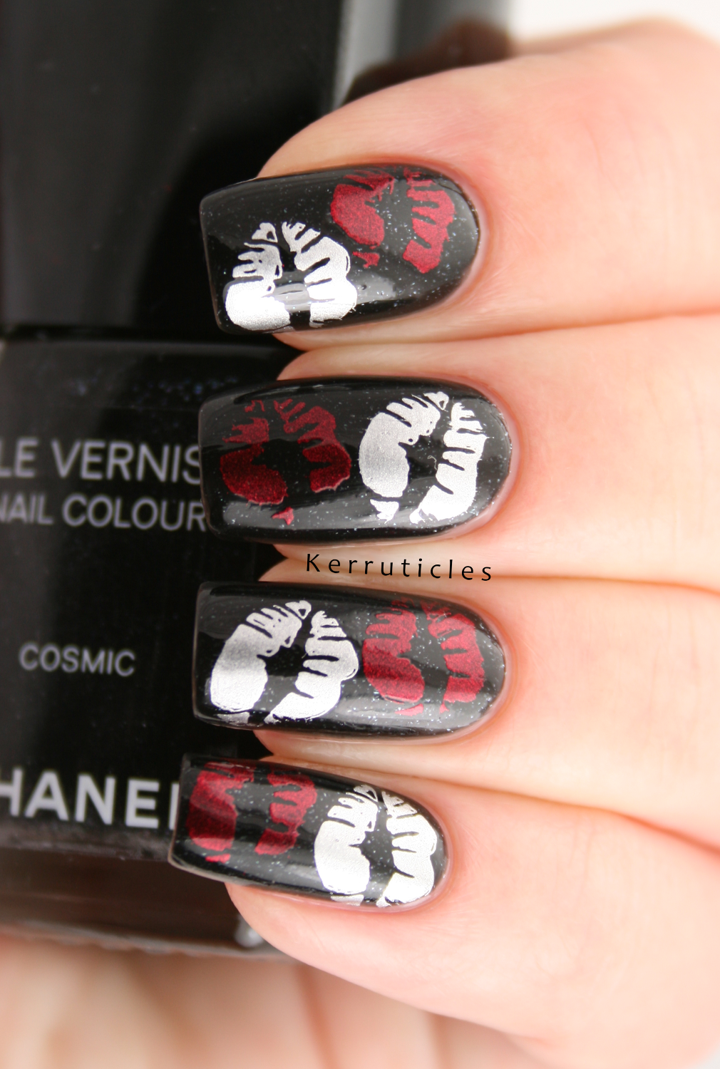 Week Of Love Valentine\'s Nail Art Challenge: Kisses | Kerruticles