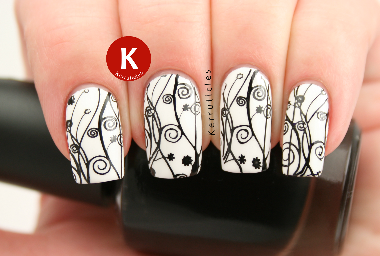 Black white floral stamping Mo You XL Pro 14