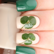 St Patricks Day clover nails