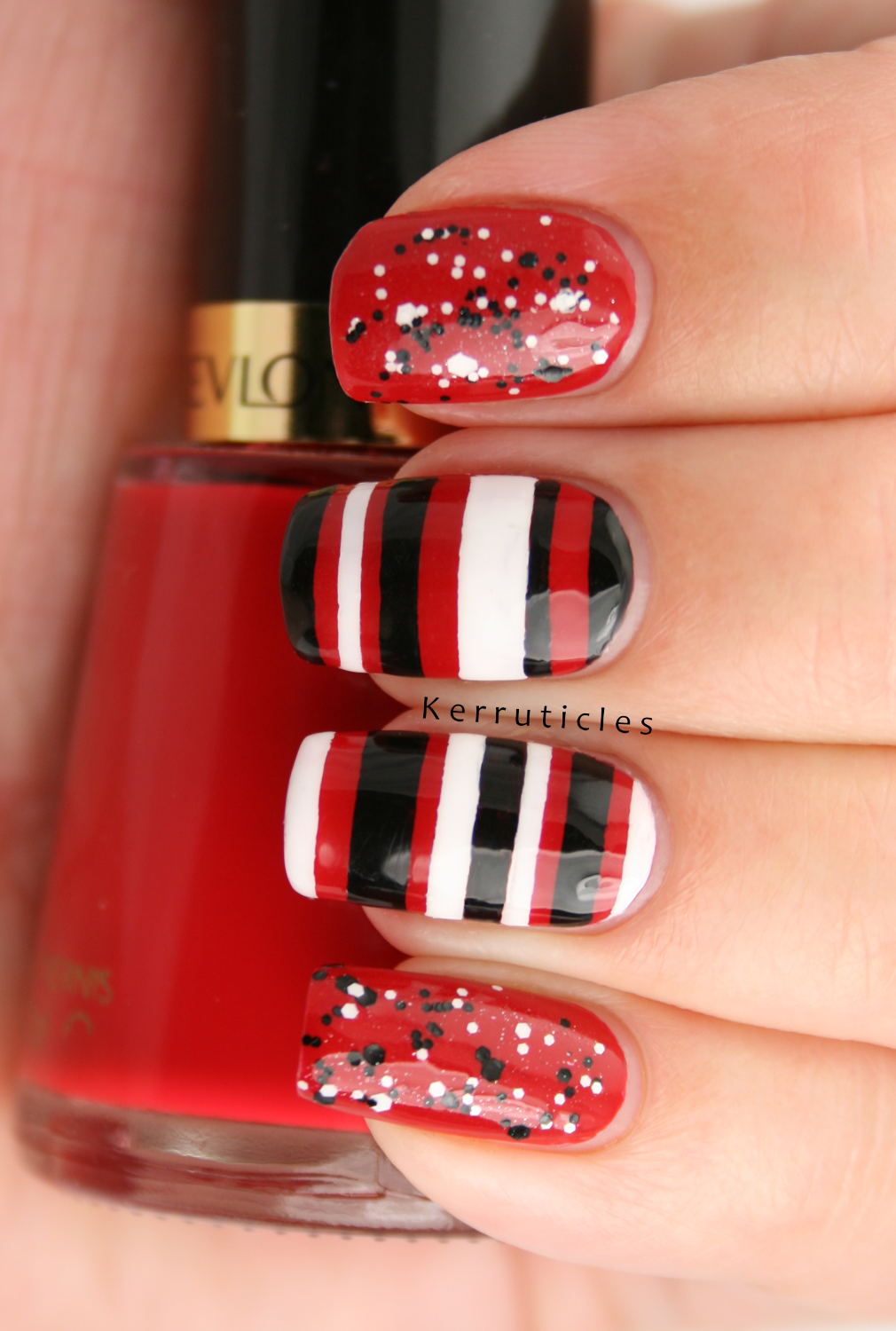 Red, black and white: stripes and glitter | Kerruticles