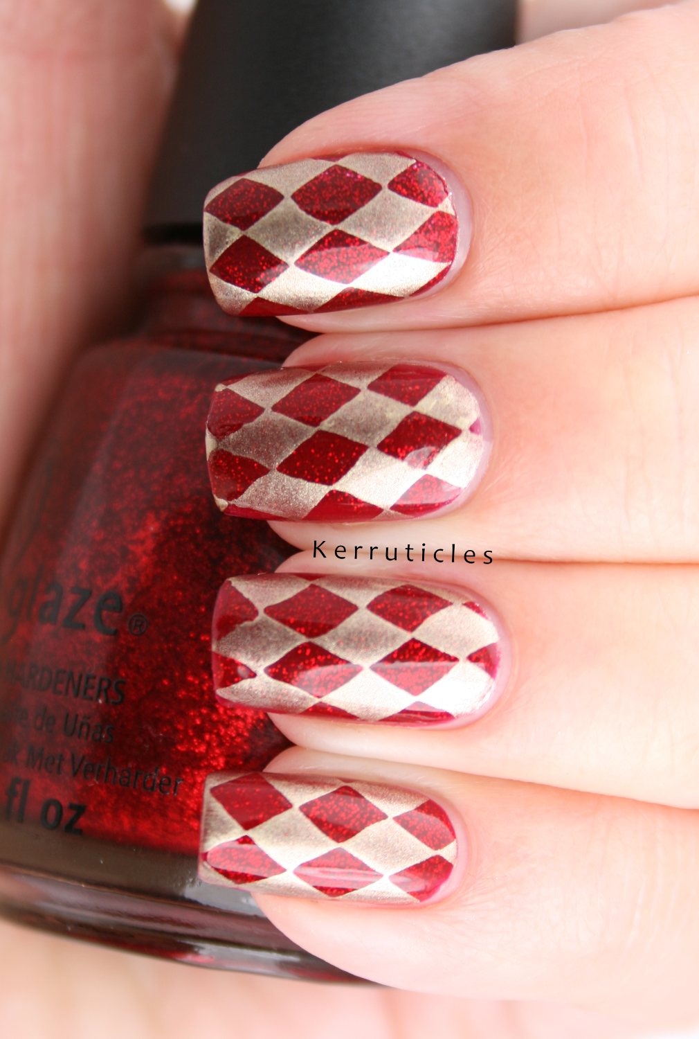 Red and gold harlequin nails: R is for Ruby Pumps | Kerruticles