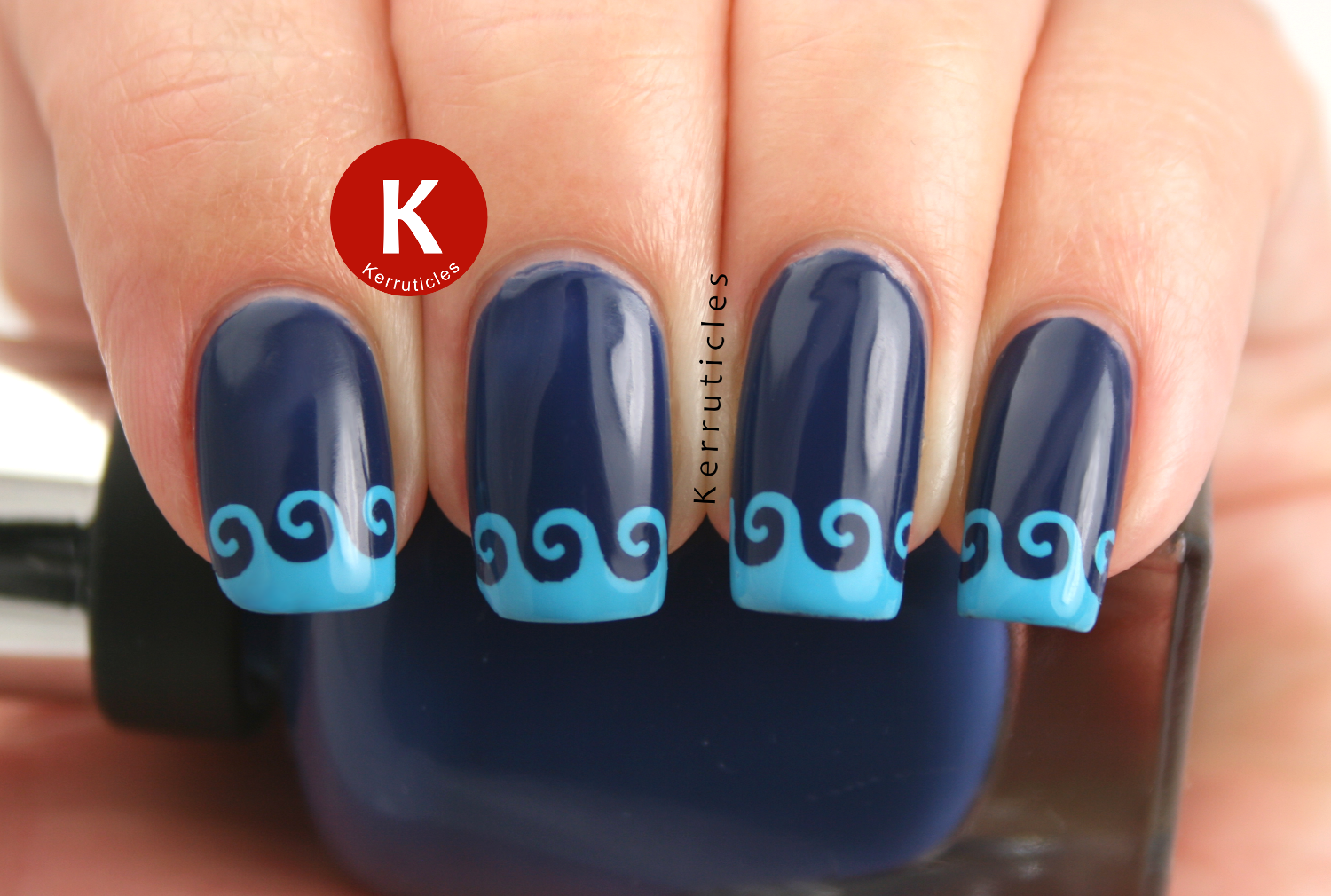 Wavy stencilled tips Sally Hansen Thinking Of Blue The Sky's The Limit