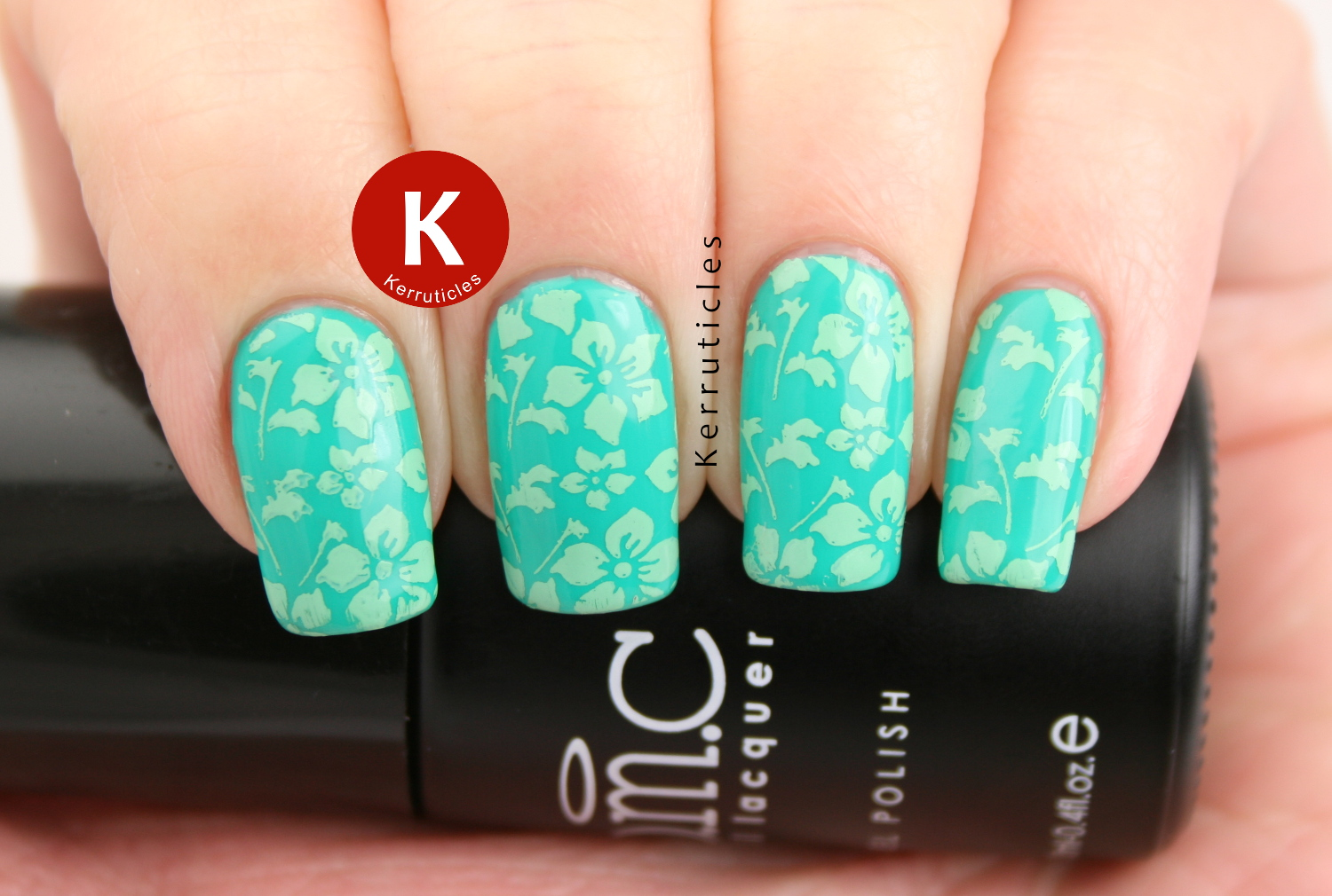 Bundle Monster Boca Catalina, stamped with Mundo de Uñas Spring Green using BM-XL05