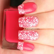 Pink and white stamped floral tips using hēhē 019