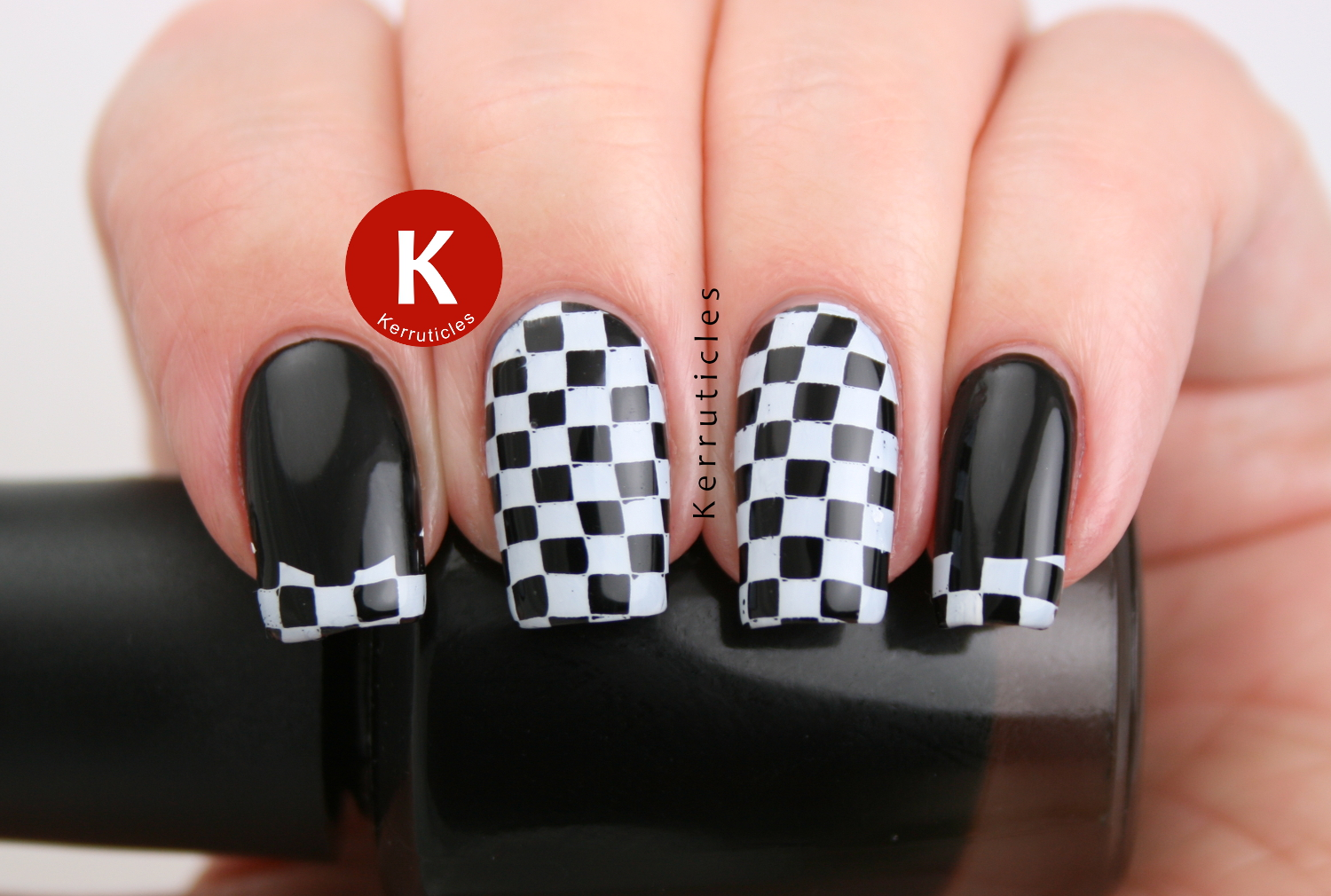 Black And White Checked Nails Kerruticles