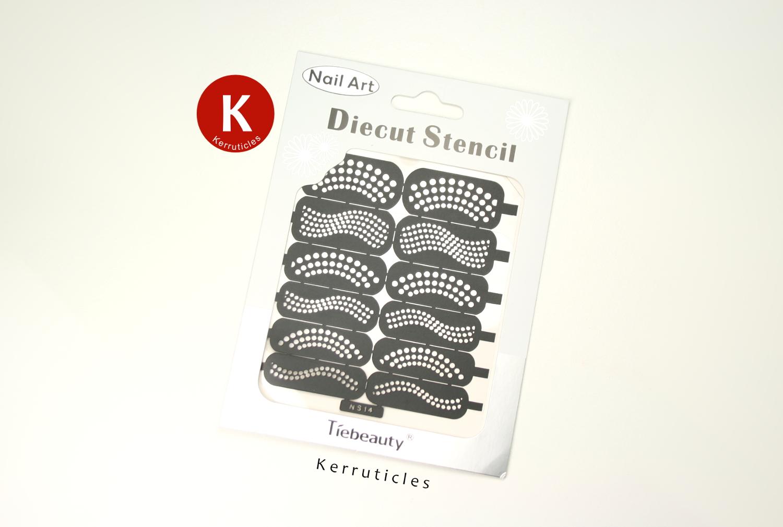 Black and White Dots | 40 Great Nail Art Ideas | Kerruticles