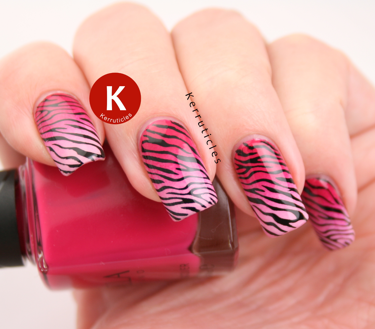 Gradient pink zebra nails
