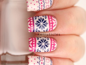 Pink and blue Christmas jumper / Fairisle nails