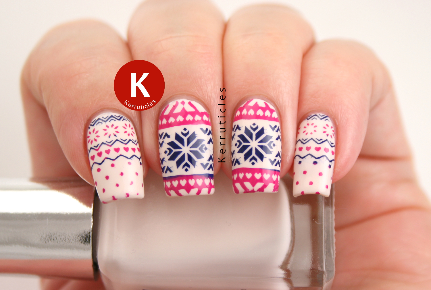 Fairisle Christmas jumper nails in cream, pink and blue