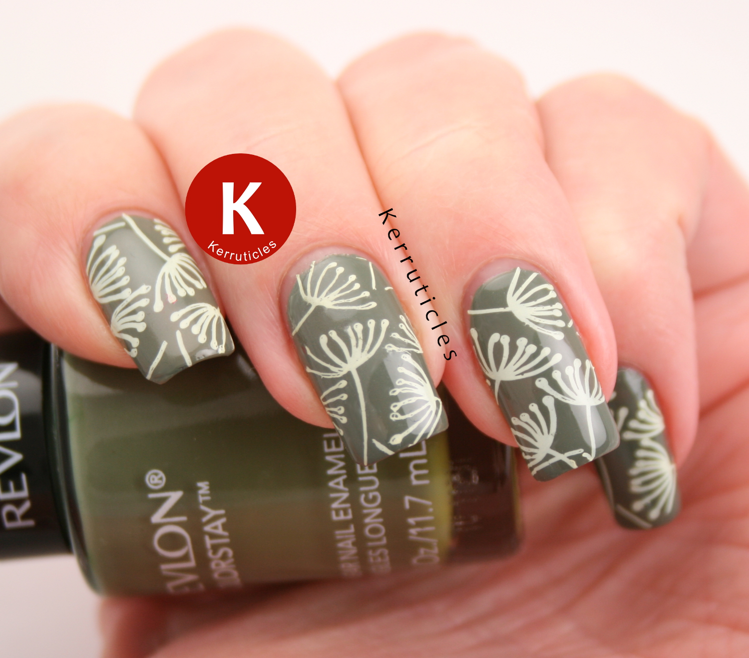 Dandelion Nails | Things That Fly | 40 Great Nail Art Ideas ...
