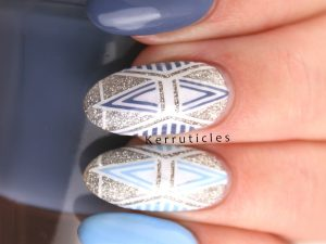 Blue geometric glitter nails